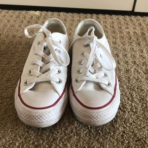 Lightly Worn Converse Shoes. Size 5.